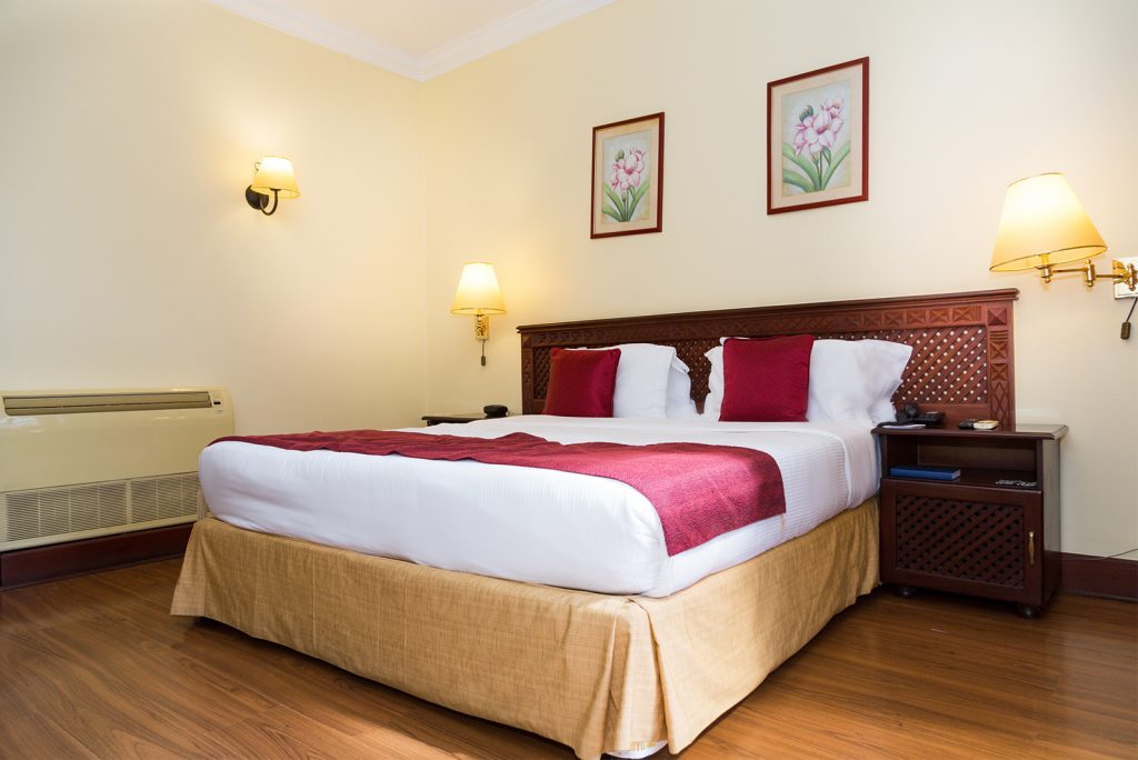 kibo-palace-hotel-executive-room1